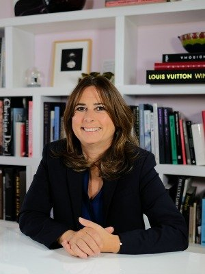 Alexandra Shulman, editor-in-chief of British Vogue for over 25 years, has announced today that she will be stepping down from the role later this year.