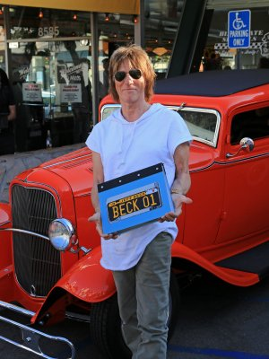 On 8th August, Mel's Drive In, Los Angeles, hosted the launch of BECK01, Jeff Beck's new limited edition with Genesis Publications.