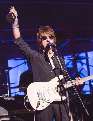 Jeff Beck Honoured at Classic Rock Awards
