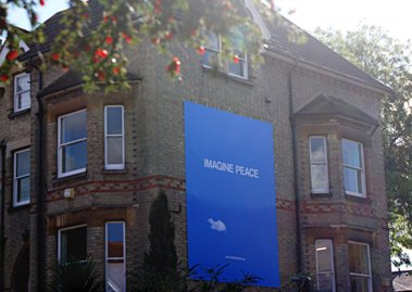 Here at Genesis we have created our very own 'Imagine Peace' billboard to celebrate Yoko Ono's new limited edition, YOKO ONO INFINITE UNIVERSE AT DAWN.