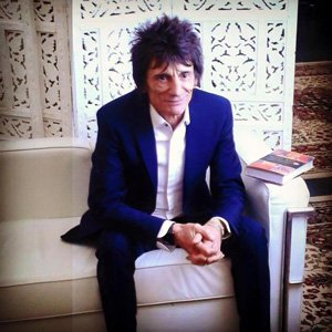 At The Times Cheltenham Literary festival on Saturday, Mark Ellen interviewed Ronnie Wood about his new book, HOW CAN IT BE?