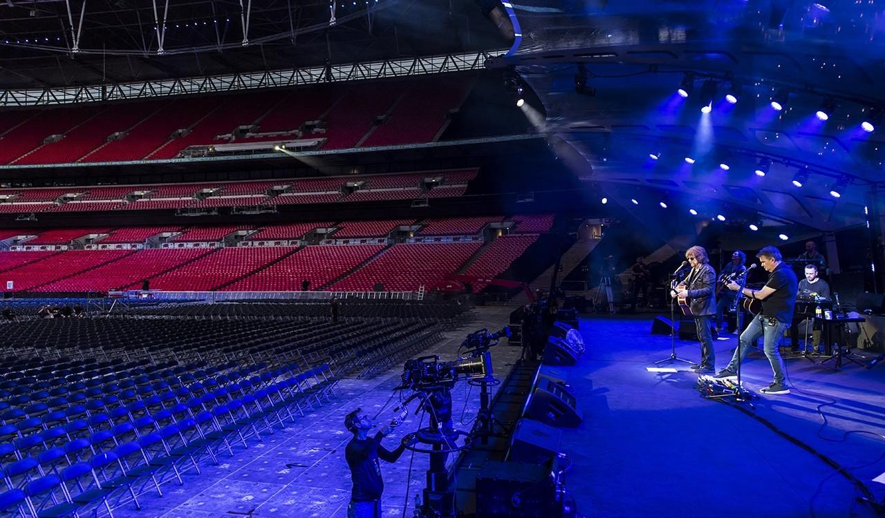 Jeff Lynne's ELO image 3