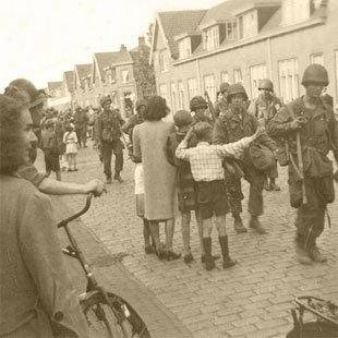 Easy Company 506th - 'Band Of Brothers'